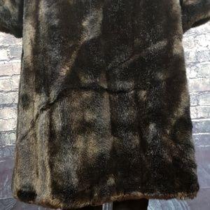 Vintage Jackets & Coats - Vintage Sporttowne Full Length Faux Fur, Size 10